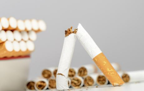 吸烟可以诱发老年痴呆症